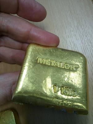 Половинка золотого слитка