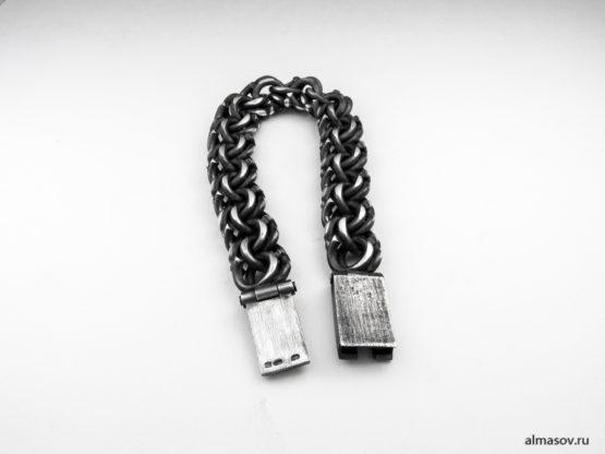 Серебряный браслет garibaldi в альтернативной обработке, тыльная сторона