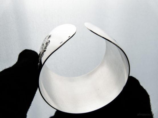 Широкий женский кубачинский гравированный серебряный браслет, вид 4