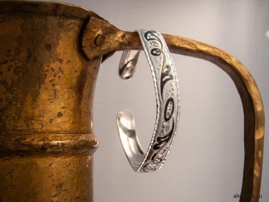 Женский серебряный кубачинский узкий браслет вид 2