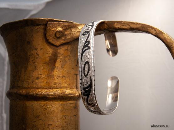 Женский серебряный кубачинский узкий браслет